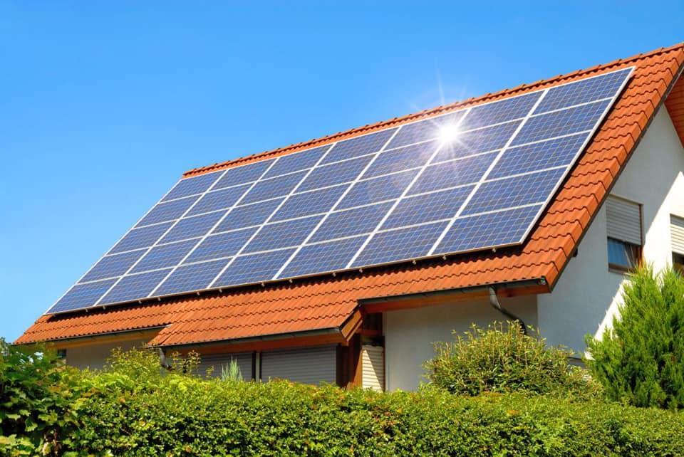 Eficiența panourilor fotovoltaice. Tu ce model alegi pentru casa ta?